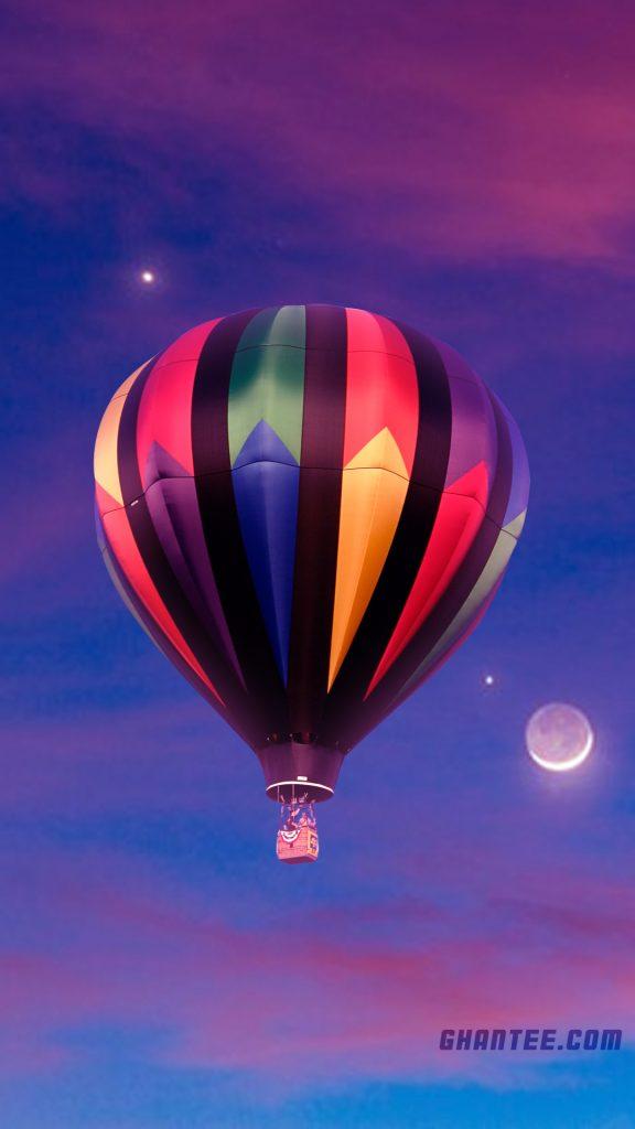 beautiful hot air balloon in evening sky wallpaper